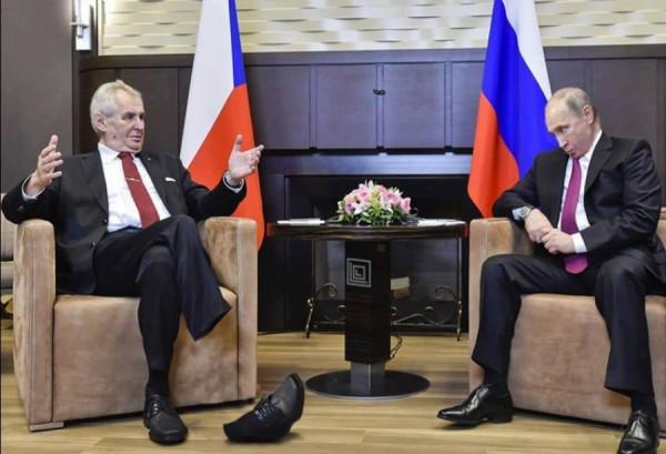 Putin nohy a Zeman 11 2017